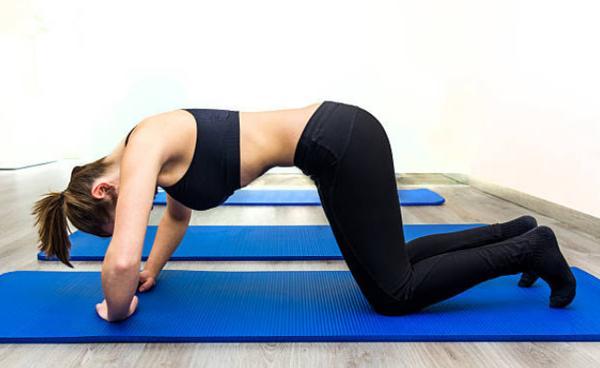 Practica de ejercicios hipopresivos
