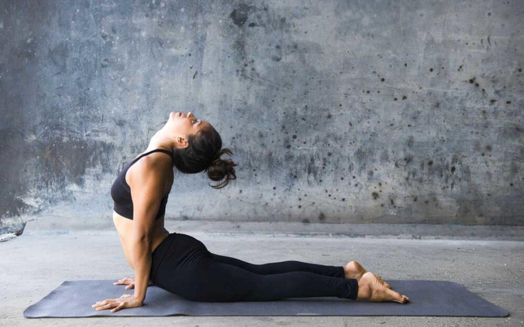 Combate el dolor de la cervical con tres posturas de yoga
